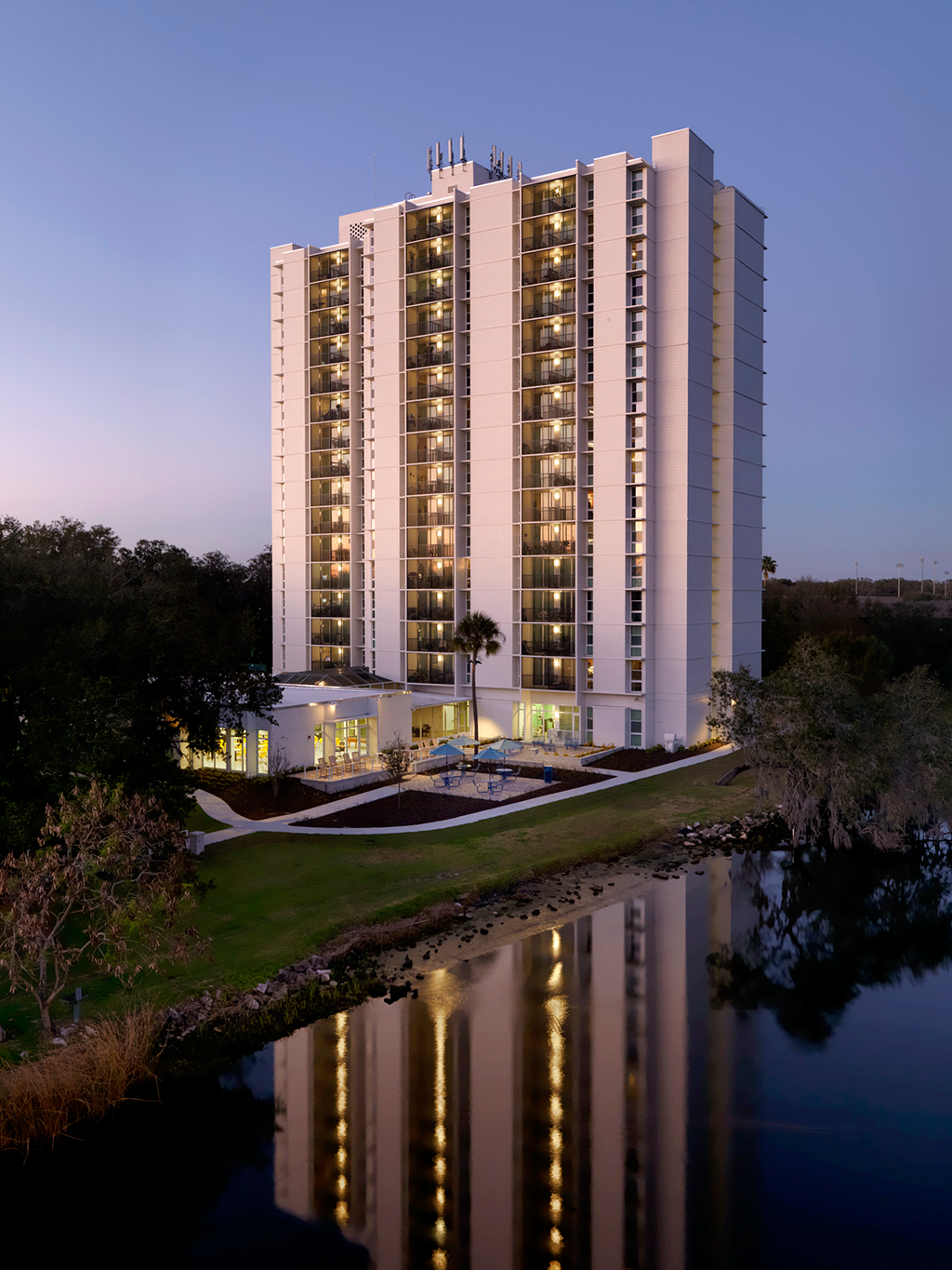 Aqua Apartments Tampa Fl Winguard 174 Vinyl Pgt Industries
